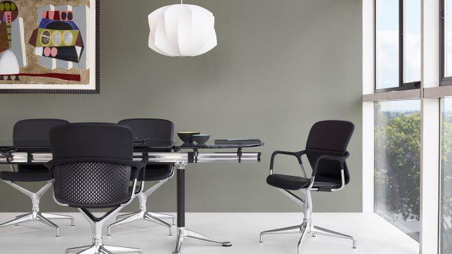 Idealne krzesła do sali konferencyjnej – 3 ekskluzywne modele do instytucji bankowych i korporacji