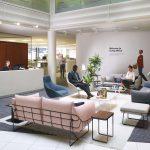 Meble tapicerowane – sposób na wykreowanie domowej atmosfery w biurze
