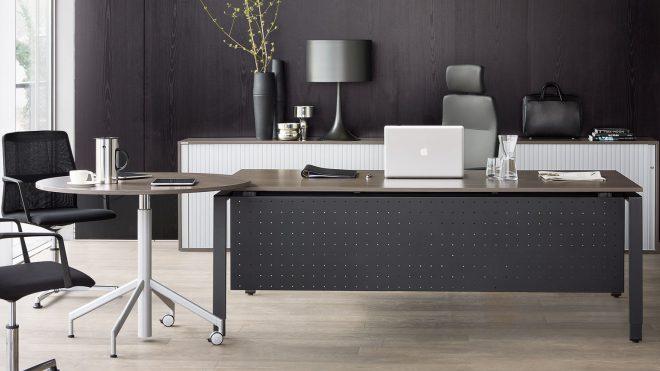 Jak urządzić i wyposażyć gabinet szefa firmy – 7 pomysłów z wykorzystaniem mebli Wiesner-Hager